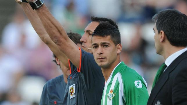 Sergio León, instantes antes de debutar con el Betis en 2010 (Foto: Felipe Guzmán)