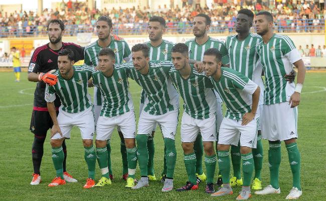 Once titular del Betis en el amistoso en Coria del Río (Foto: J. Spínola)