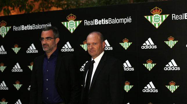 Eduardo Maciá y Pepe Mel, en el acto de presentación de las nuevas equipaciones (Foto: Raúl Doblado)