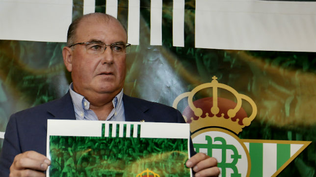 Manuel Castaño, el día de la presentación de su candidatura (foto: J. M. Serrano)