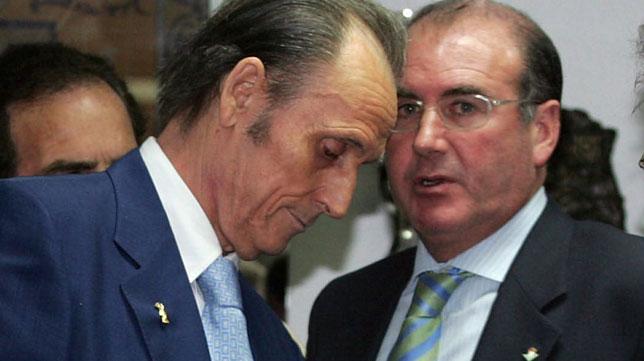 Lopera y Castaño, en una rueda de prensa del Betis