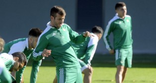 Van der Vaart, durante una sesión de entrenamiento del Betis en la ciudad deportiva (FOTO: Juan José Úbeda)