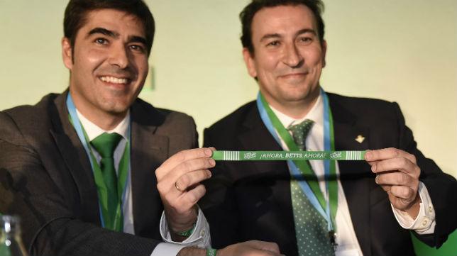 Ángel Haro y José Miguel López Catalán, en la junta del Betis de diciembre de 2016 (Foto: Jesús Spínola)