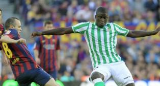 Iniesta y Ndiaye en el último Barça-Betis