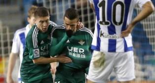 Rubén Castro celebra el gol junto a Portillo