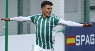 El delantero del Betis B Narváez celebra el gol anotado ante el San Roque (Foto: J. J. Úbeda)
