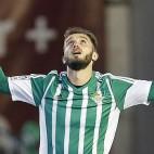 Pezzella celebra su gol ante el Sporting (Foto: EFE).