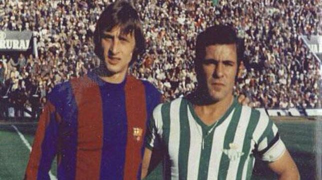 Johan Cruyff, junto a Antonio Benítez (Foto: RBB)