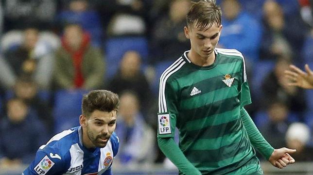 Fabián, en un lance del Español-Betis (Foto: EFE)