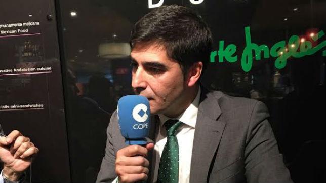 Ángel Haro, en la tertulia de Cope Sevilla (Foto: @IsaacEscalera)
