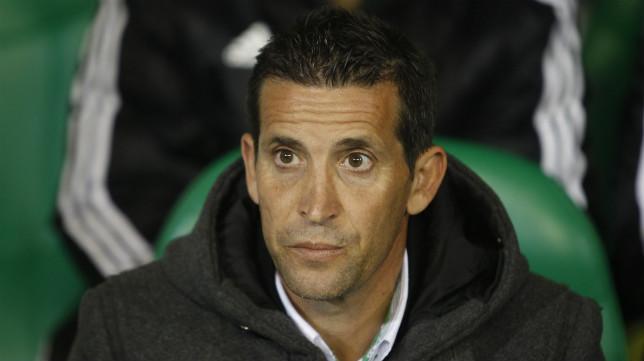 Merino, antes del comienzo del Betis-Málaga