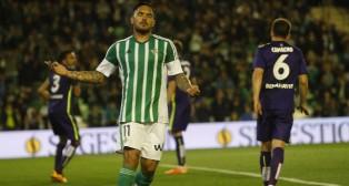 Vargas se lamenta en el Betis-Málaga