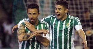 Rubén Castro celebra el gol ante el Levante