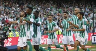 Pezzella celebra su gol con el Betis (Foto: Raúl Doblado)