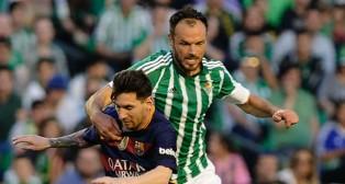 Westermann y Messi, en el Betis-Barcelona