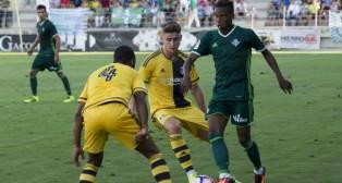 Musonda regatea en el amistoso jugado ante el Fulham (Foto: Alberto Díaz)