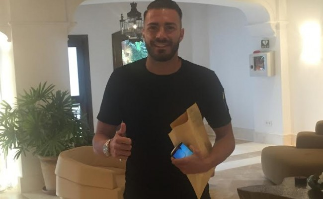 Xavi Torres, a su llegada al hotel de concentración del Betis en Marbella