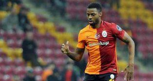 Ryan Donk, en un partido con el Galatasaray