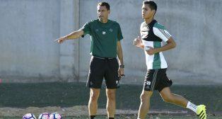 Poyet y Mandi, en un entrenamiento (foto: J. Spinola)
