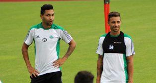 Petros y Rubén Castro durante un entrenamiento en el stage de Alemania