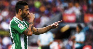 Rubén Castro celebra su gol al Barcelona (EFE/Quique García)
