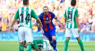 Messi celebra uno de sus goles (foto: AFP)