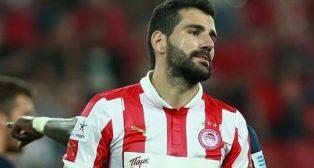 Dimitris Siovas se lamenta en un partido con el Olympiacos