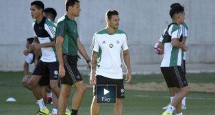 Rubén Castro junto a Poyet, en un entrenamiento (foto: J. Spinola)