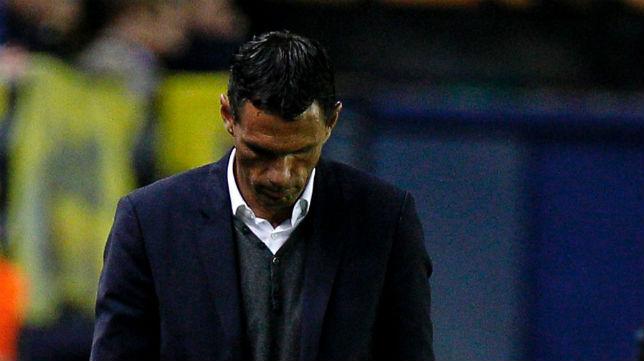 El entrenador bético, Gustavo Poyet (Foto: AFP)