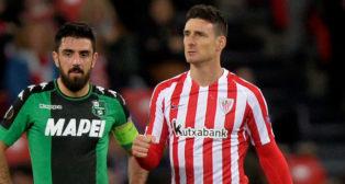 Aritz Aduriz celebra un tanto con el Athletic esta temporada ante el Sassuolo (Foto: Reuters)