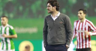 Víctor Sánchez, durante el Betis-Athletic (Foto: Raúl Doblado)