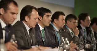 Moya, Sanguino, Haro, Catalán, Pagola y Fernández, en la última junta (Foto: J. M. Serrano).