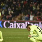 Durmisi y Petros se lamentan en el Granada 4-1 Betis (Foto: EFE)