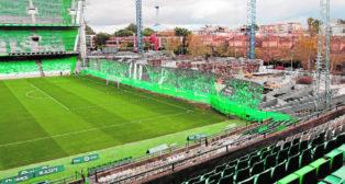 Obras de construcción del nuevo Gol Sur en el Benito Villamarín (Foto: Pepe Ortega)