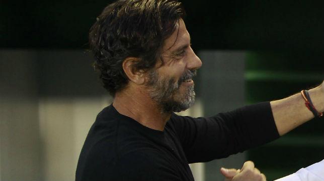Quique Sánchez Flores, en el partido de la primera vuelta jugado en Heliópolis (Foto: Raúl Doblado)