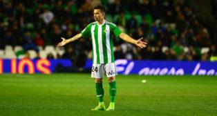 Rubén Castro, durante el encuentro disputado ante la Real Sociedad (Foto: AFP)