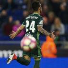 Rubén Castro celebra su gol en el Espanyol-Betis (Foto: EFE)