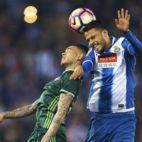 Sanabria salta durante el partido contra el Espanyol