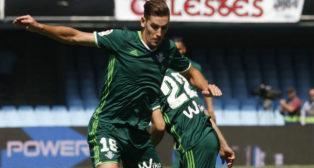 Álex Alegría, en un lance del Celta-Betis (Foto: EFE)
