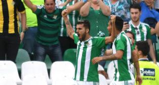 Ceballos celebra el gol anotado ante el Eibar (Foto: J. J. Úbeda)