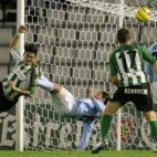 Edu remata a gol en el partido disputado ante el Celta en Balaídos en 2005 (Foto: ABC)