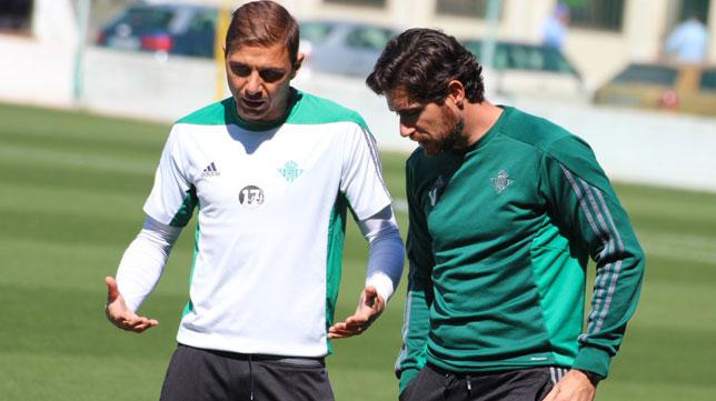 Joaquín dialoga con Víctor (Foto: RBB).