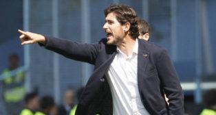 Víctor Sánchez del Amo hace indicaciones durante el Celta-Betis (Foto: EFE)