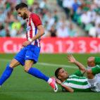 Durmisi cae ante Carrasco en el Betis-Atlético