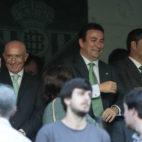 Serra Ferrer, junto a López Catalán y Ángel Haro, en el Betis-Atlético