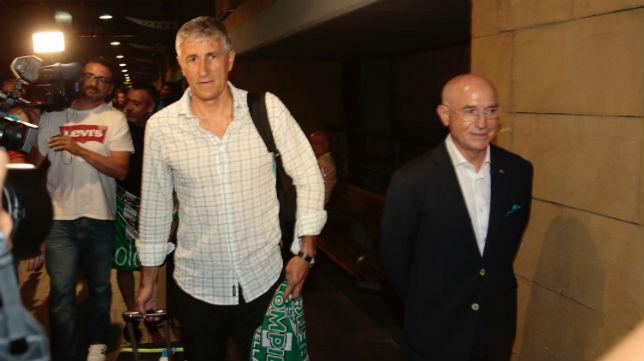 Setién y Serra Ferrer, en el aeropuerto de San Pablo (Foto: Pepe Ortega)