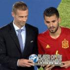 Ceballos recibe el premio de la UEFA