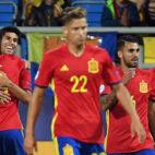 Dani Ceballos, junto a Bellerín, Lorente, Saúl y Asensio en la celebración de uno de los goles españoles