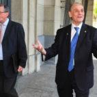 Guillermo Molina, junto a Manuel Ruiz de Lopera en una de las visitas del exmáximo accionista a los juzgados