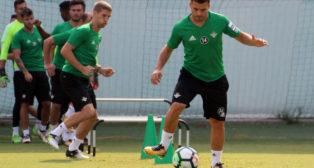 Durmisi y Brasanac, en un entrenamiento del Betis (Foto: RBB)